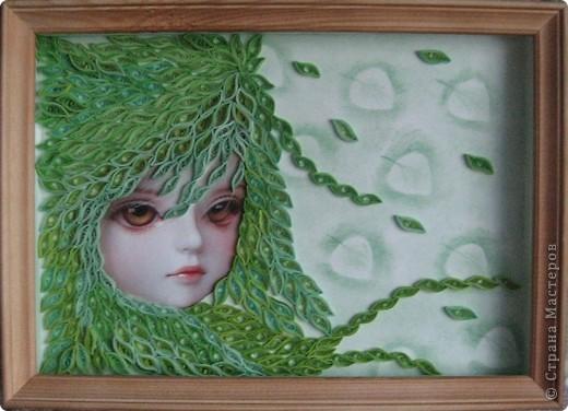 Срочно понадобился подарок хорошей знакомой мужа на день рождения. Набив руку в создании таких девочек (http://stranamasterov.ru/node/135898 - одна из них), я решила сделать зелененькую - у меня оказалось пять оттенков этого цвета. Здесь картинка без стекла. фото 1