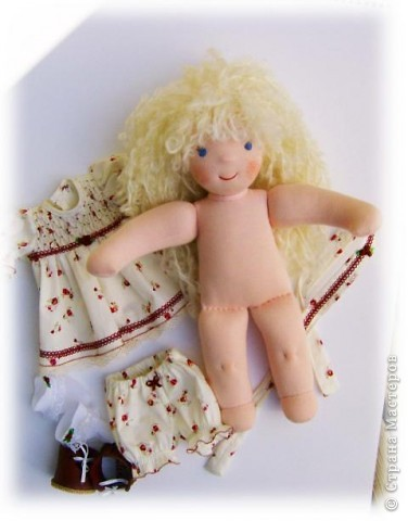 Моё новое произведение :-) .Игровая куколка Белянка. Вальдорфская технология. фото 2