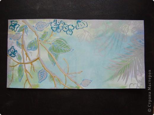 Вот такая пасхальная открыточка в зелено-голубых тонах. основа - бумага для скрапбукинга. Ажурная полоска - фигурный компостер и самоклеящаяся цветная бумага.  Выбитые при компостировании цветы так же использованы для декорирования. фото 5