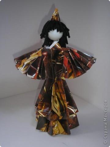 Вот моя первая кукла в технике модульного оригами. Невероятно понравилось это занятие, особенно порадовал результат моих родных - детей и маму. Муж тоже был в восторге от куклы. фото 1