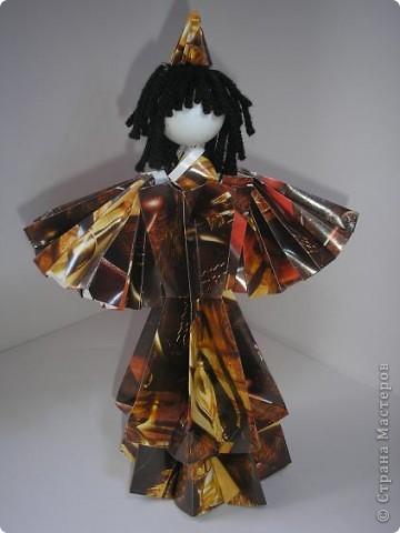 Вот моя первая кукла в технике модульного оригами. Невероятно понравилось это занятие, особенно порадовал результат моих родных - детей и маму. Муж тоже был в восторге от куклы. фото 3