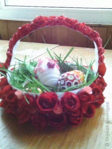 Очень захотелось сделать корзинку для пасхальных яиц. Ну а как же без роз?  фото 1