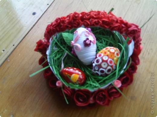 Очень захотелось сделать корзинку для пасхальных яиц. Ну а как же без роз?  фото 2