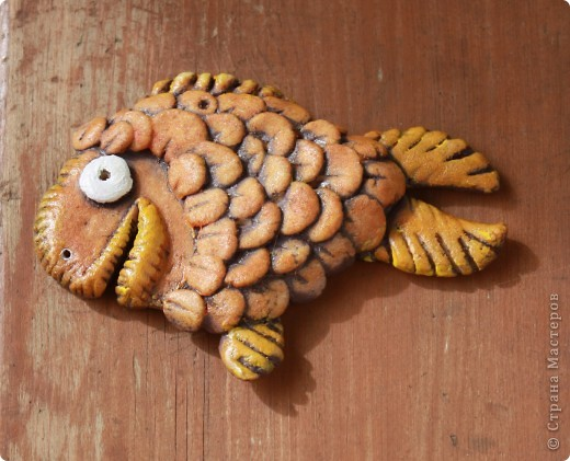 """Вторая попытка полепить из соленого теста. Вот моя """"золотая рыбка"""". Спасибо """"Светлячок и К"""" за идею по раскраске. Вот тут МК - http://stranamasterov.ru/node/177348 фото 2"""