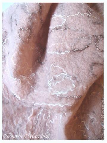 Увидела я замечательный мастер-класс на Ярмарке мастеров от Регины Журавлевой. И захотелось мне попробовать свалять шарфик-паутинку. Использовала я мохер 80% и шерсть. Вот что у меня получилось. фото 4