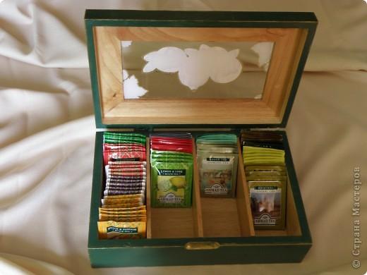 Дошла очередь и до коробки из под чая. Была она деревянная и скучная, а вот что из нее получилось фото 3