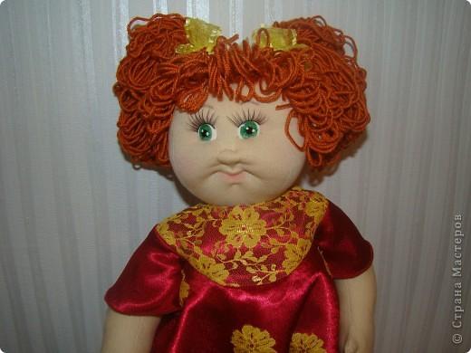 """Увидела в интернете вот таких малышей http://shkola-igrushki.ru/kukol-detej-i-pupsov/item/62-vikroiki-kukol-malishei.html     Они мне так понравились,что очень захотелось сделать такую пухляшку. Вот получилась кукла Маша. Конечно она сильно отличается от своих """"оригиналов"""", из ткани первый раз шью кукол,надо руку еще набивать, но скажу честно,с капроном мне нравится больше работать. фото 4"""