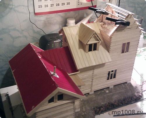 Макет дачного дома с кусочком прилегающей территории. Уже готов первый этаж, баня с верандой. фото 2