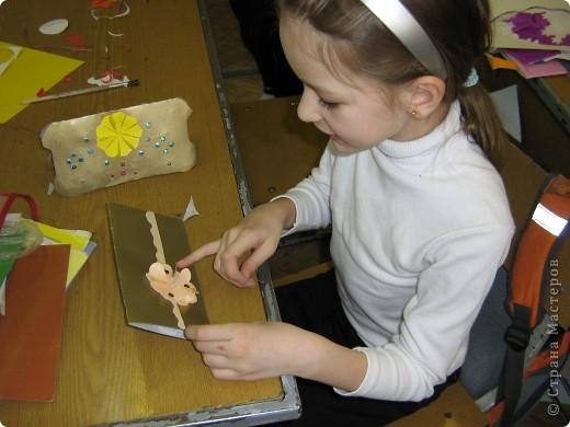 Увидела украшение здесь: http://scraphouse.ru/ideas/postcards/decoration-flower-cards.html. Использовали в работе. Деткам понравилось. фото 8