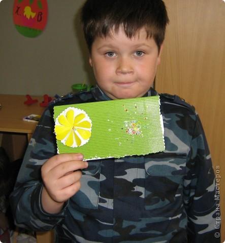 Увидела украшение здесь: http://scraphouse.ru/ideas/postcards/decoration-flower-cards.html. Использовали в работе. Деткам понравилось. фото 5