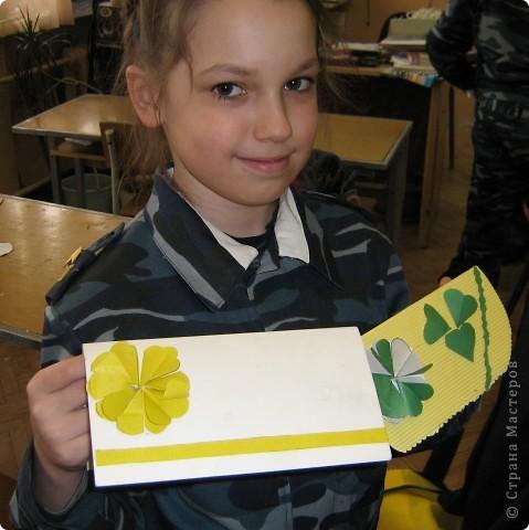 Увидела украшение здесь: http://scraphouse.ru/ideas/postcards/decoration-flower-cards.html. Использовали в работе. Деткам понравилось. фото 6