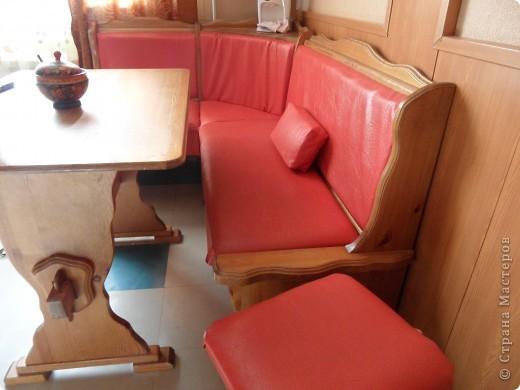 Так как я работаю дизайнером корпусной мебели, то позволила себе самостоятельно изменить наш гарнитур, которому сто лет в обед. фото 1