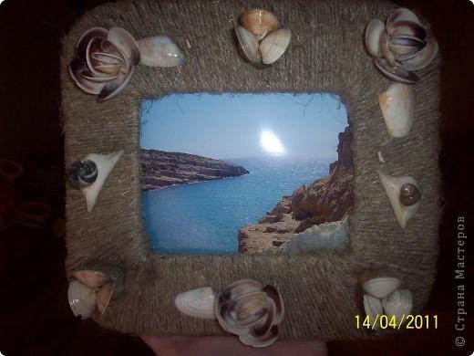 Картон обмотан шпагатом и сверху- красота из ракушек. фото 4