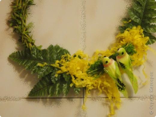 вот такие простенькие в исполнении веночки выгодно украсят ваш дом или офис в преддверии праздника. фото 8