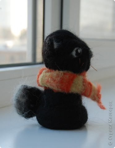 В подарок сестричке появился такой вот Котофей в теплом шарфике :) фото 2