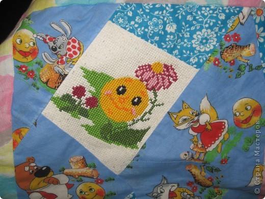 """Вот такое одеяльце для дочки получилось из вышивок-""""малышек"""" и маминого увлечения пэчворком. фото 12"""