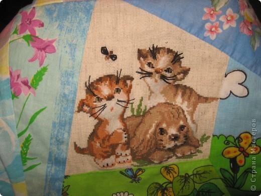 """Вот такое одеяльце для дочки получилось из вышивок-""""малышек"""" и маминого увлечения пэчворком. фото 6"""