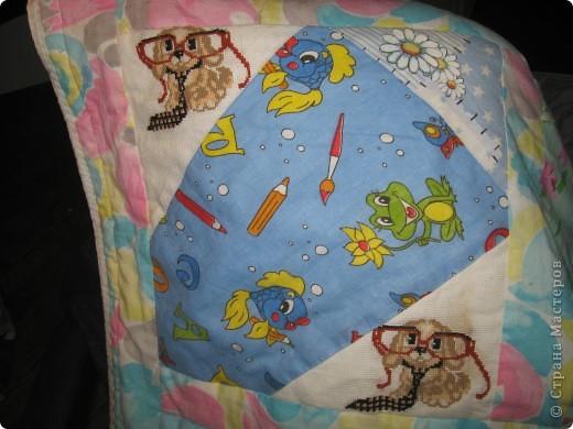 """Вот такое одеяльце для дочки получилось из вышивок-""""малышек"""" и маминого увлечения пэчворком. фото 5"""