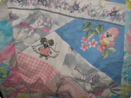 """Вот такое одеяльце для дочки получилось из вышивок-""""малышек"""" и маминого увлечения пэчворком. фото 11"""