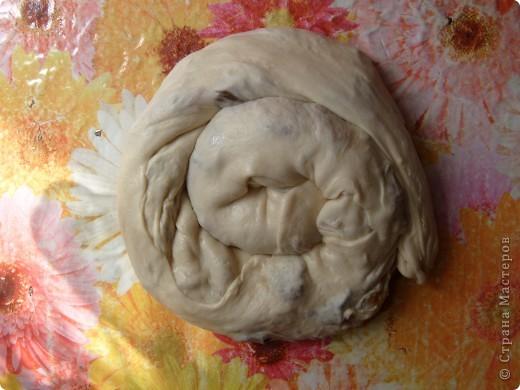 Вот решила поделиться с вами нашим любимым пирогом и надеюсь, он будет украшать ваши семейные вечера своим восхитительным вкусом. Этот пирог я готовлю с разными начинками. Сейчас пост и я приготовила его с грибами и капустой(моя самая любимая начинка), но еще я готовлю его с картошкой и печенью, просто с картошкой и жаренным луком, капуста с яйцом. рыбой...в общем полный полет фантазий. фото 24