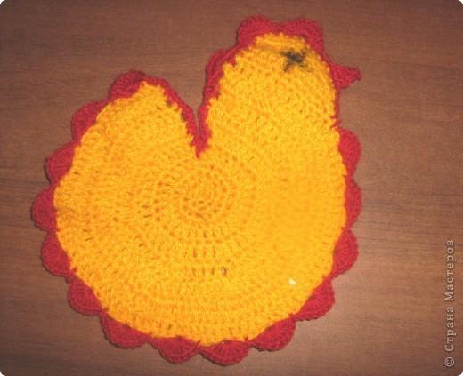 Вот такая корзинка - подарок поджидает кого-нибудь до Пасхи. Недавно я сделала по Мк Elena.ost  http://stranamasterov.ru/node/180034 квадратную бонбоньерку. Крутила я её крутила и в общем вот что выкрутила. Получилась корзинка для яиц или небольших подарочков! фото 4