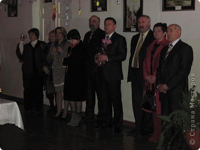 Вот, как и обещала отчет о выставке в моем городе. Посвящена выставка трагическим событиям в Чернобыле (25 лет назад) и событиям сегодняшним в Японии (11 марта этого года). Это ведущие открывают выставку. фото 2