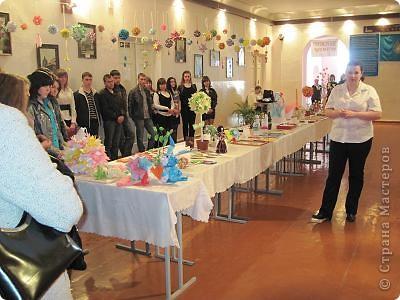 Вот, как и обещала отчет о выставке в моем городе. Посвящена выставка трагическим событиям в Чернобыле (25 лет назад) и событиям сегодняшним в Японии (11 марта этого года). Это ведущие открывают выставку. фото 6