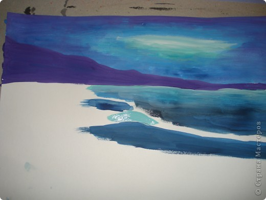 """Добрый вечер.Наконец-то я выкроила время на своё любимое занятие.В этот раз пробовала рисовать море,волны.Долго я приглядывалась к этой теме,всё не решалась попробовать морскую тематику.Ну вот что получилось.Ошибок,конечно много,есть над чем работать.Но оказалось не так трудно.Поэтому предлагаю вам попробовать вместе со мной.  Нам потребуется гуашь художественная,бумага для акварели А-3,кисти.Я рисовала плоской синтетикой №10""""Черная речка"""",простой плоской щетиной №12 и мелкие детали белкой №2. фото 7"""