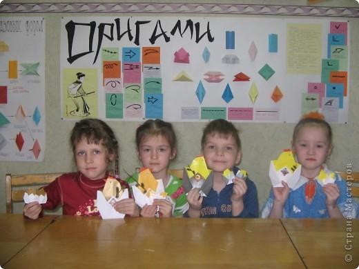 Вот такие курочки с цыплятами мы сделали с детками в Вербное воскресенье. В кармашек вставили веточку вербы. Дети были счастливы!