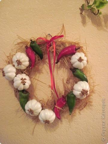 По МК Ольги  http://stranamasterov.ru/node/67462 сделала веночек с перчиком и чесночком.   Нынешняя хозяйка довольна фото 1