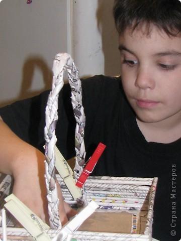 Насмотревшись на меня сын решил сделать свою, личную плетеночку для пасхи. Решил делать плетеночку по МК vista (http://stranamasterov.ru/node/59091?tid=451%2C302) спасибо ей большое! Из фоток дальше понятно, что он делал... фото 6