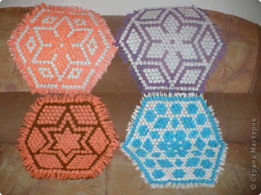 салфетки плетёные на рамке фото 4