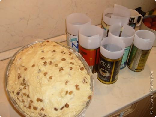 Каждый год мы, православные ждем праздника Пасха. И каждый год сталкиваемся с вопросом, как же испечь кулич. Я хочу поделиться своим рецептом, который уже радует нас не один год. фото 30