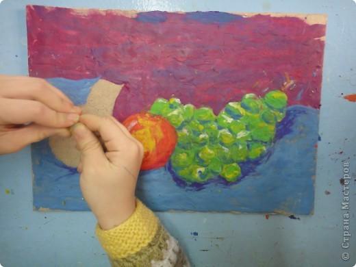 Натюрморт Макаровой Александры, 7л. Для выполнения натюрморта в  пластилиновой технике нам понадобился картон, пластилин и фантазия. фото 7