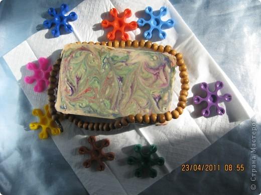 Тут есть Пигментные краски разбавленные водой. + есть Желтая, розовая глина. фото 2
