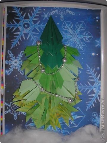 Хоть и не Новый год, а готовясь к выставке сделала такую елочку. Маме она сразу понравилась (она работает в детском саду). фото 3