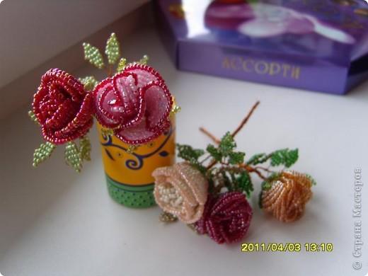 Розы из бисера.  фото 1