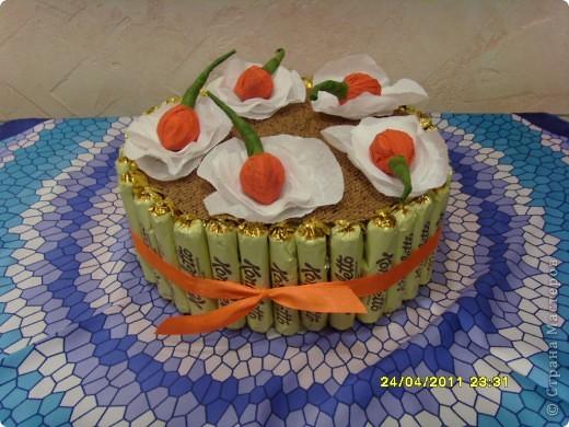 Вчера у моей доченьки был день рождения... Такой тортик мы сделали для её школьных друзей... фото 1