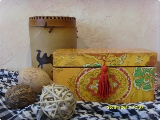 Вот такая шкатулочка для чайных пакетиков в Восточном стиле. Навеяна знакомством с человеком, готовящимся к выезду на миссию в Арабскую страну. Собственно для него и сделана. фото 1