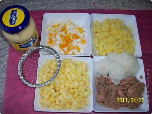 Слоеный салат с картофелем, яблоками и лососем фото 2