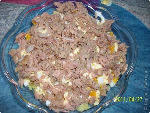 Слоеный салат с картофелем, яблоками и лососем фото 6