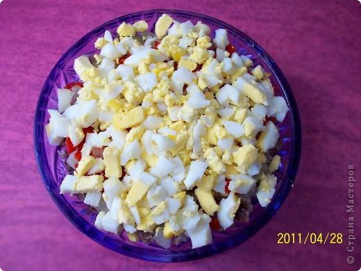 Слоёный салат с мясом и маринованным перцем. фото 6
