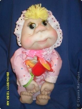 На юбилей подруги решила сшить ляльку. Вот такая малышка получилась. фото 1