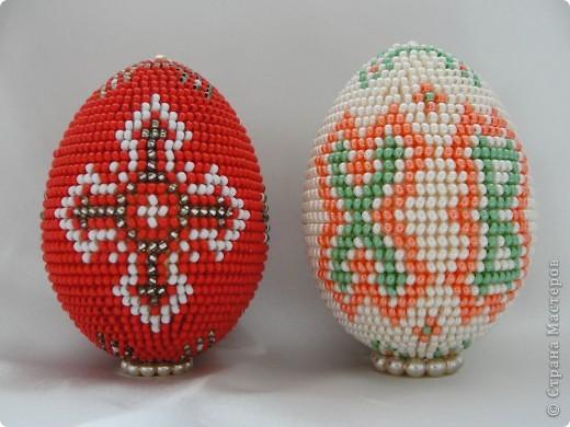 После декупажа было трудно опять взяться за бисер, но на два яйца меня все таки хватило :)  фото 2