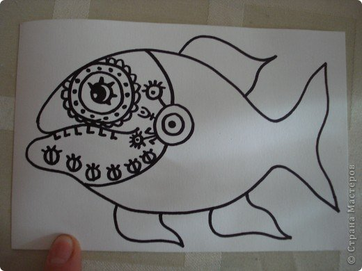 Вот такую симпатичную рыбку предлагаю нарисовать с помощью пластилина.Рисунок рыбки взяла из Галереи Ирины Матвеевой: http://iranirova1.gallery.ru/watch?a=yrf-blnB фото 3