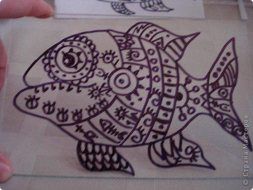 Вот такую симпатичную рыбку предлагаю нарисовать с помощью пластилина.Рисунок рыбки взяла из Галереи Ирины Матвеевой: http://iranirova1.gallery.ru/watch?a=yrf-blnB фото 6