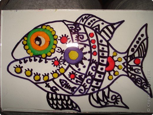Вот такую симпатичную рыбку предлагаю нарисовать с помощью пластилина.Рисунок рыбки взяла из Галереи Ирины Матвеевой: http://iranirova1.gallery.ru/watch?a=yrf-blnB фото 7
