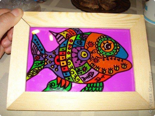 Вот такую симпатичную рыбку предлагаю нарисовать с помощью пластилина.Рисунок рыбки взяла из Галереи Ирины Матвеевой: http://iranirova1.gallery.ru/watch?a=yrf-blnB фото 10