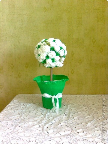 Деревце из роз решила сделать коллеге на свадьбу. фото 1