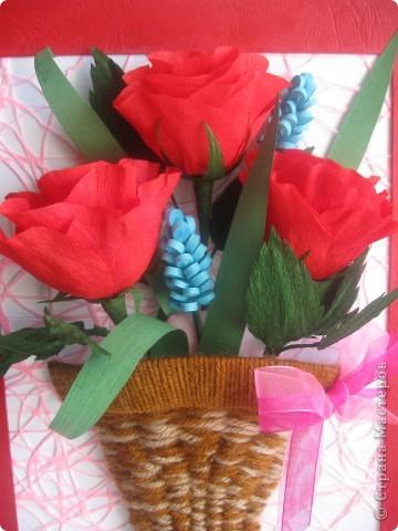 Эти розы я хотела сделать, как только увидела МК, который сделала для нас Наталия- 54 http://stranamasterov.ru/node/10626?c=favorite_a Спасибо ей огромное!!! А корзиночку я училась делать по МК Ольги Ольшак здесь http://stranamasterov.ru/node/146378 Спасибо, Ольга! фото 2